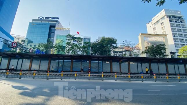 Đường phố Sài Gòn thông thoáng ngày đầu nghỉ Tết Nguyên đán 2020 ảnh 9