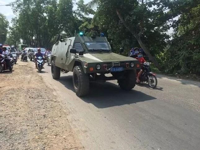 Trắng đêm vây bắt nghi can bắn chết 4 người ở TPHCM ảnh 6