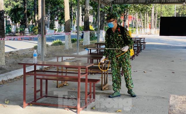 Cuộc sống trong khu cách ly gần sân bay Tân Sơn Nhất ảnh 19