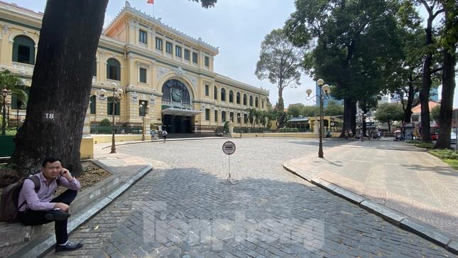 Sài Gòn trước và trong mùa dịch bệnh COVID-19 ảnh 19