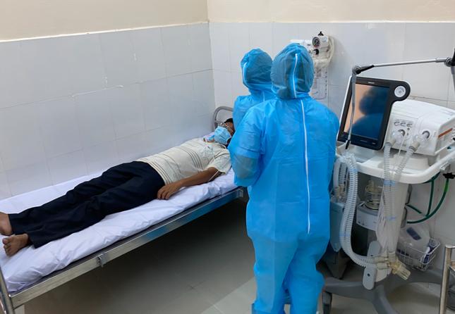 Sau 'ổ dịch' COVID-19 ở Bạch Mai, TPHCM rà soát tất cả các bệnh viện ảnh 2