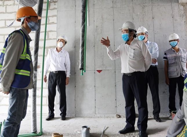 TPHCM ban hành bộ tiêu chí đánh giá rủi ro về lây nhiễm SARS-CoV-2 tại doanh nghiệp ảnh 1