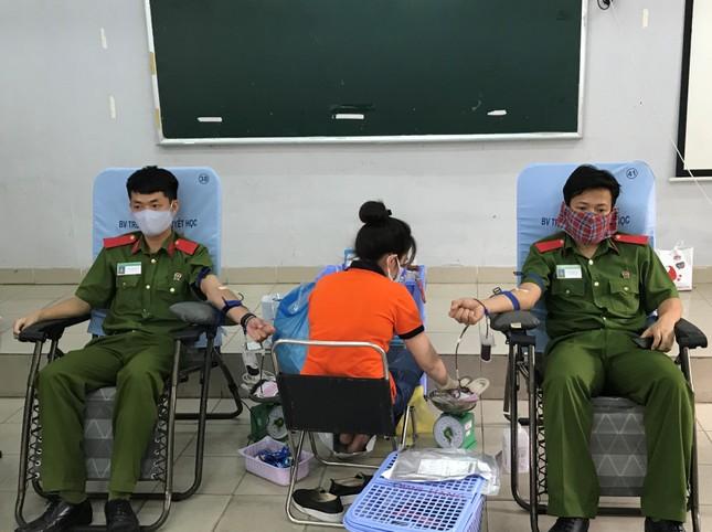 Hơn 600 Cảnh sát hiến máu cứu người mùa dịch COVID-19 ảnh 3