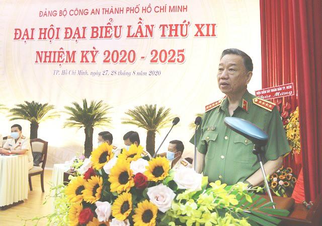 Đại tá Lê Hồng Nam được bầu giữ chức Bí thư Đảng ủy Công an TPHCM ảnh 3