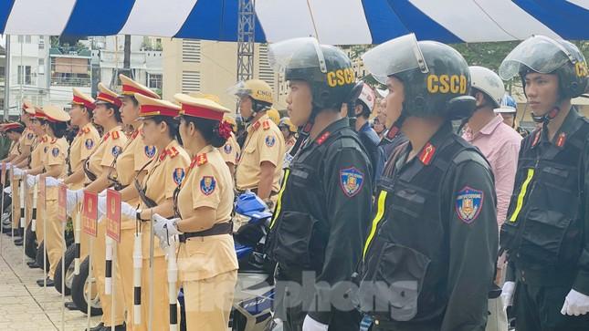 Thiếu tướng Lê Hồng Nam phát động ra quân trấn áp tội phạm ảnh 8