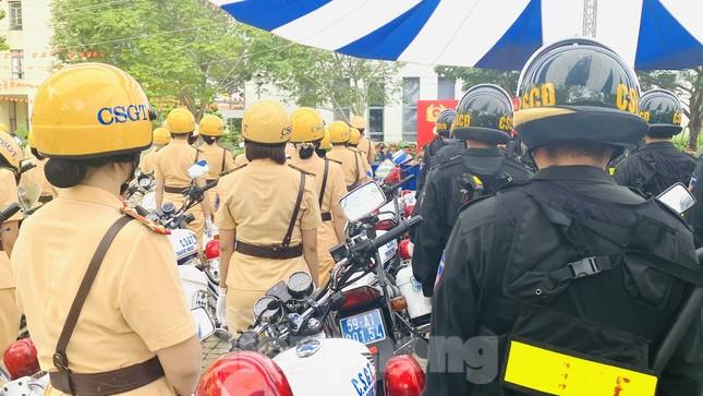 Thiếu tướng Lê Hồng Nam phát động ra quân trấn áp tội phạm ảnh 14