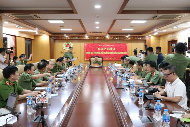 Bộ Công an gửi thư vận động người nhà kêu gọi bị can Hồ Thị Kim Thoa về nước ảnh 2