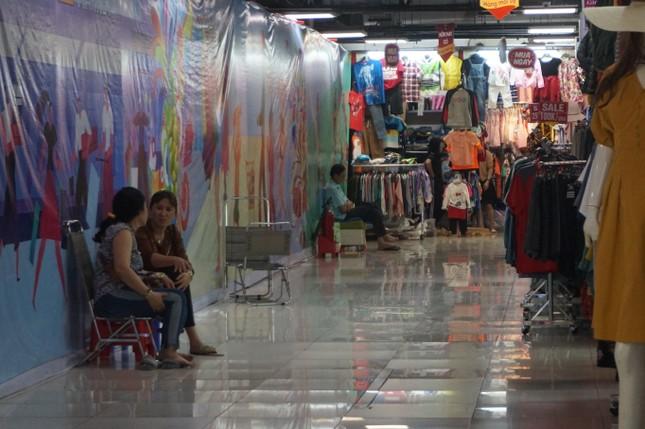 Chợ 'ngầm' dưới lòng đất TPHCM đìu hiu vắng khách ảnh 10