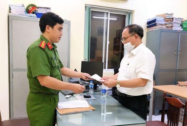 Cựu Phó Bí thư Thành uỷ TPHCM Tất Thành Cang gây thiệt hại 157 tỷ đồng ảnh 1