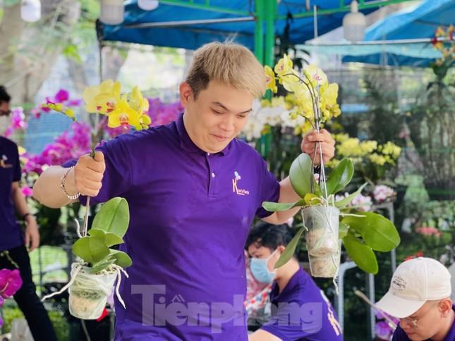 Chợ hoa lớn nhất Sài Gòn vắng khách ngày cận Tết ảnh 6