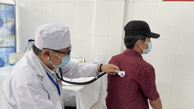 Cận cảnh tiêm thử nghiệm vắc xin ngừa COVID-19 tại Long An ảnh 9