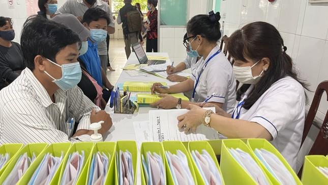 Cận cảnh tiêm thử nghiệm vắc xin ngừa COVID-19 tại Long An ảnh 4