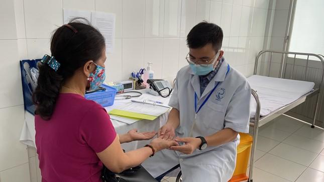Cận cảnh tiêm thử nghiệm vắc xin ngừa COVID-19 tại Long An ảnh 7
