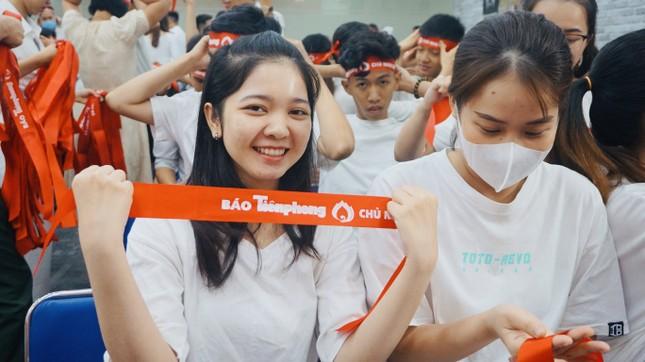 Bạn trẻ hào hứng tham gia hiến máu Chủ nhật Đỏ ảnh 1