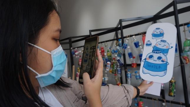 Bạn trẻ TPHCM tái chế đồ nhựa, hướng đến lối sống xanh ảnh 5
