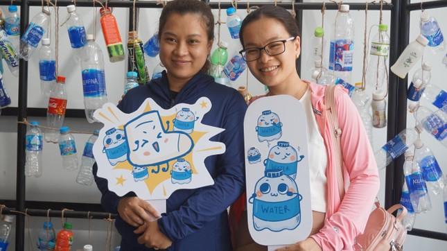 Bạn trẻ TPHCM tái chế đồ nhựa, hướng đến lối sống xanh ảnh 4