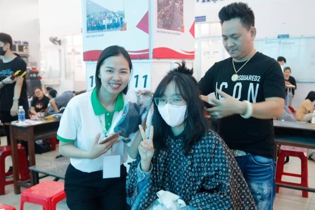 Hiến tóc vì bệnh nhân ung thư ảnh 2