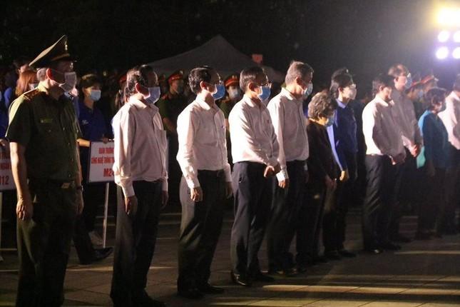 Thành Đoàn TP. HCM thắp nến tri ân các anh hùng liệt sĩ ảnh 1