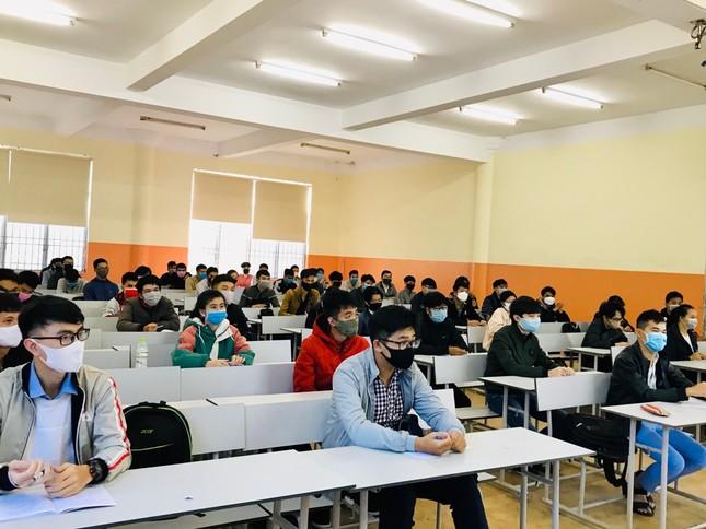 """Đoàn trường ĐH Đà Lạt thành lập """"Tổ phản ứng nhanh"""" đón sinh viên  ảnh 10"""