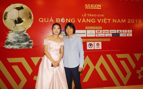 """Nữ sinh viên trường ĐH Sư phạm TP. HCM đoạt danh hiệu """"Quả bóng Vàng Việt Nam"""" 2019 ảnh 2"""