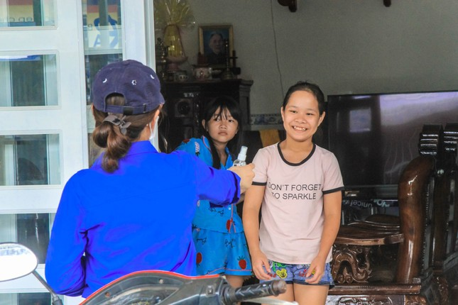 Tuổi trẻ ĐH Công nghệ Miền Đông tích cực chung tay đẩy lùi COVID-19 ảnh 12