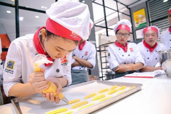 Hành trình khởi nghiệp cô chủ tiệm bánh xinh đẹp ảnh 1