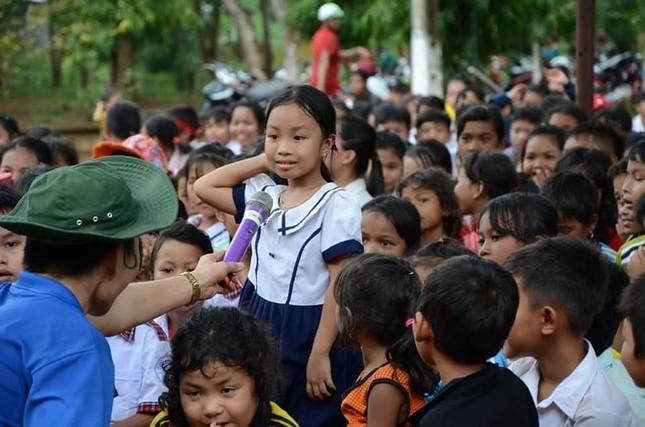 Mang Trung Thu đến trẻ em nghèo vùng xa ảnh 2