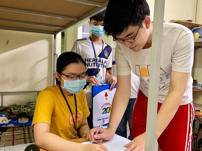 Sinh viên KTX ĐHQG TP. HCM ủng hộ bà con miền Trung gần 400 triệu đồng ảnh 2