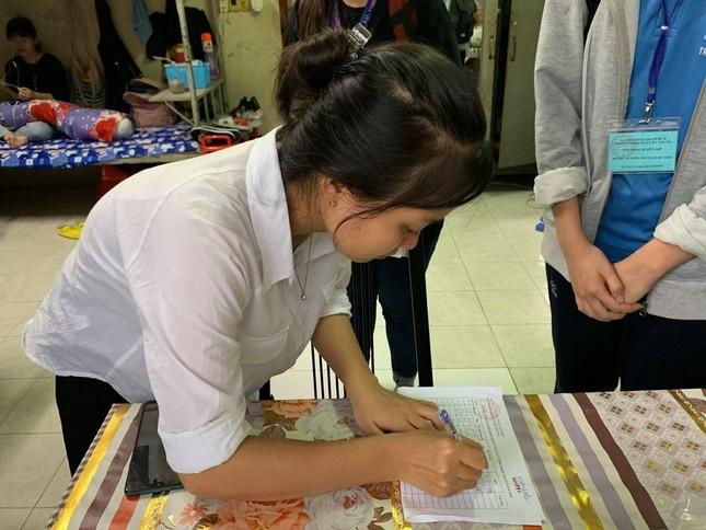 Sinh viên KTX ĐHQG TP. HCM ủng hộ bà con miền Trung gần 400 triệu đồng ảnh 1