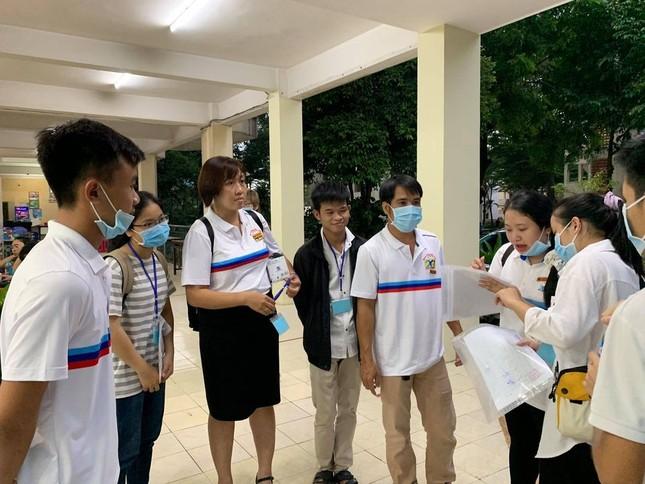 Sinh viên KTX ĐHQG TP. HCM ủng hộ bà con miền Trung gần 400 triệu đồng ảnh 6