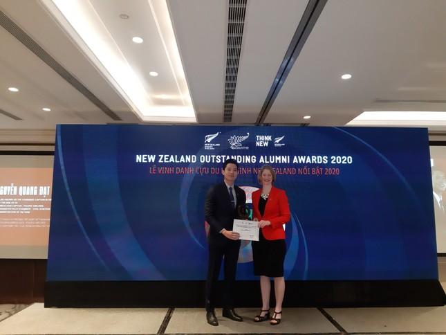 Đại sứ quán New Zealand vinh danh 6 cựu du học sinh Việt Nam ảnh 1