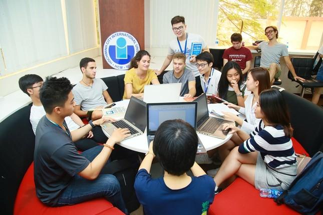 Sinh viên Tây chọn Việt Nam để trải nghiệm văn hóa  ảnh 1
