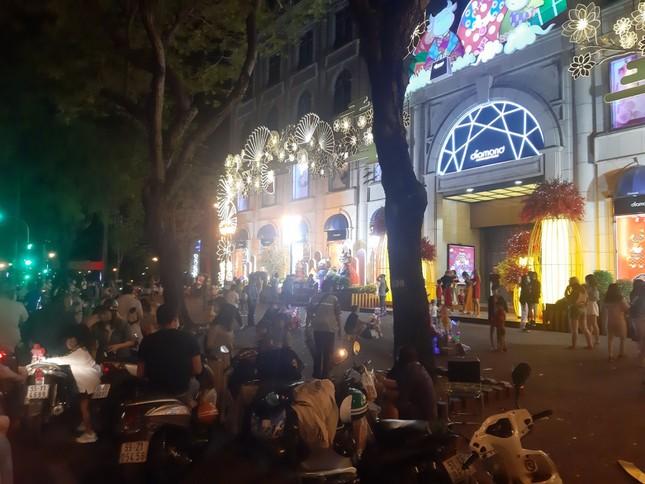 Giới trẻ Sài Gòn chuyển đón Giao thừa tại các quán cà phê ảnh 5
