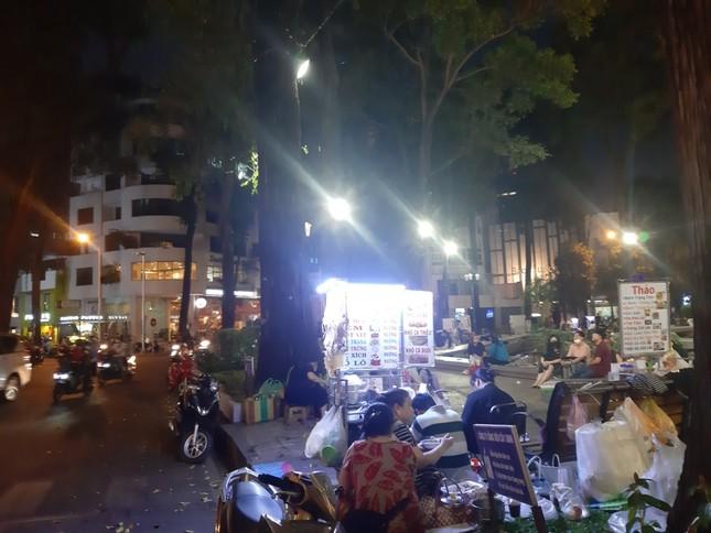 TP. HCM: Hàng quán bắt đầu nhộn nhịp trở lại ảnh 15