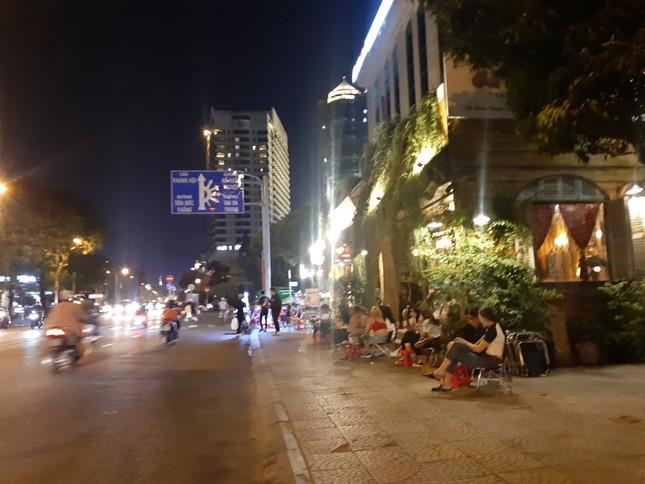 TP. HCM: Hàng quán bắt đầu nhộn nhịp trở lại ảnh 16