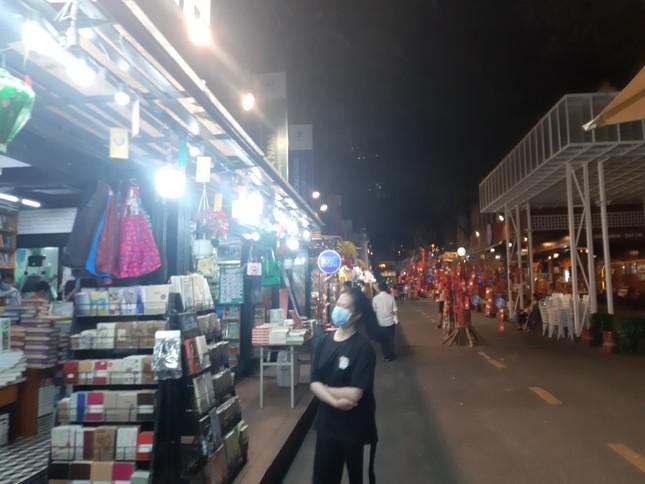 TP. HCM: Hàng quán bắt đầu nhộn nhịp trở lại ảnh 10