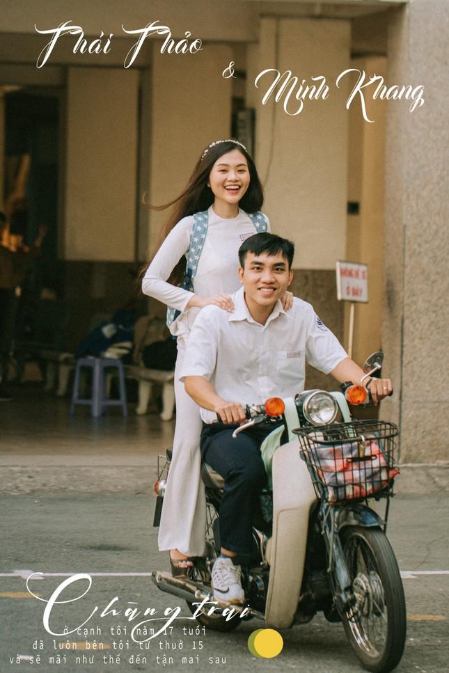 Cặp đôi về lại trường cũ chụp ảnh cưới siêu cute ảnh 3