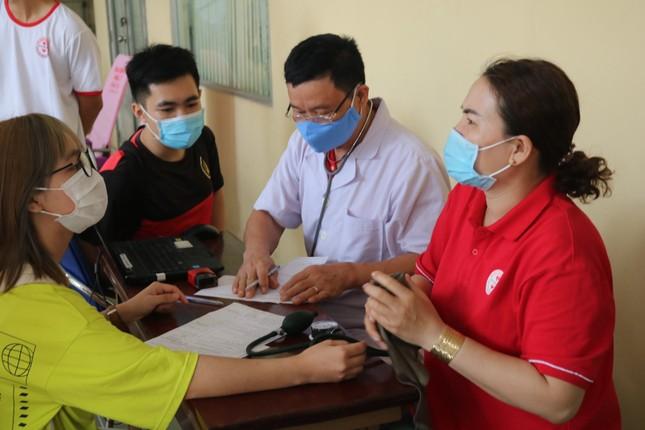 Hội Sinh viên trường ĐH KHTN (ĐHQG TP. HCM) tổ chức chương trình hiến máu tình nguyện ảnh 4