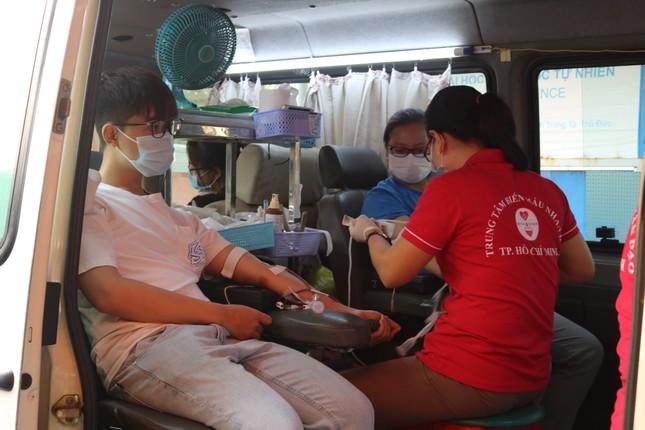 Hội Sinh viên trường ĐH KHTN (ĐHQG TP. HCM) tổ chức chương trình hiến máu tình nguyện ảnh 6