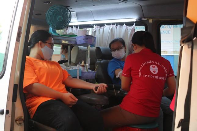 Hội Sinh viên trường ĐH KHTN (ĐHQG TP. HCM) tổ chức chương trình hiến máu tình nguyện ảnh 8