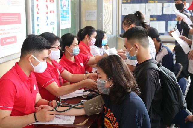Hội Sinh viên trường ĐH KHTN (ĐHQG TP. HCM) tổ chức chương trình hiến máu tình nguyện ảnh 1