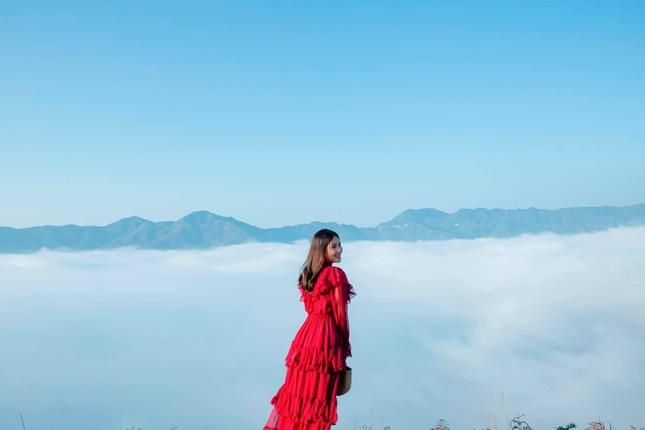 Lặng ngắm biển mây trên đỉnh Tà Xùa ảnh 6