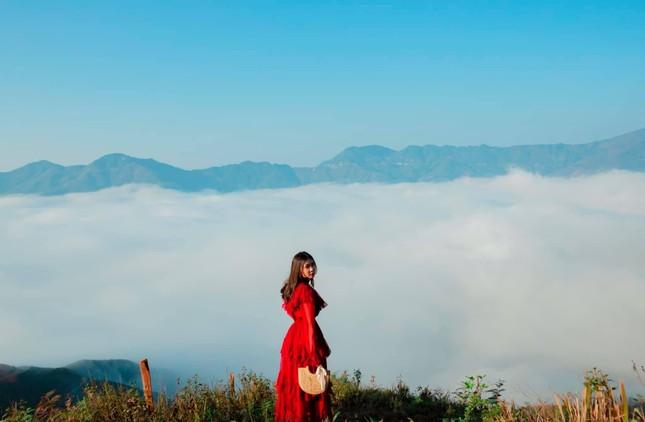 Lặng ngắm biển mây trên đỉnh Tà Xùa ảnh 14