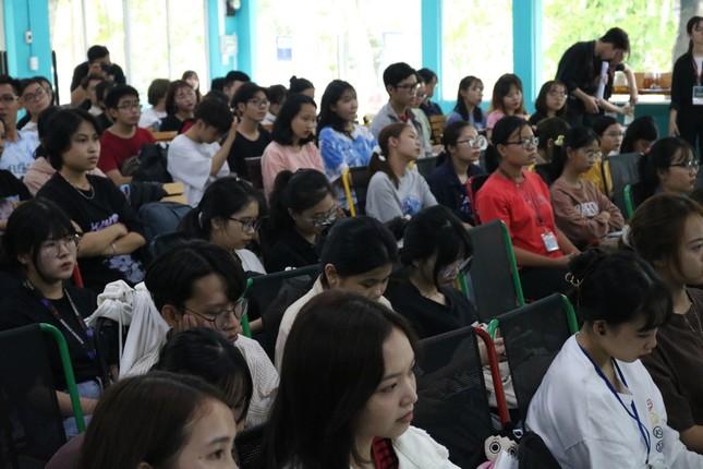 Giúp sinh viên có thêm kỹ năng hội nhập quốc tế ảnh 1