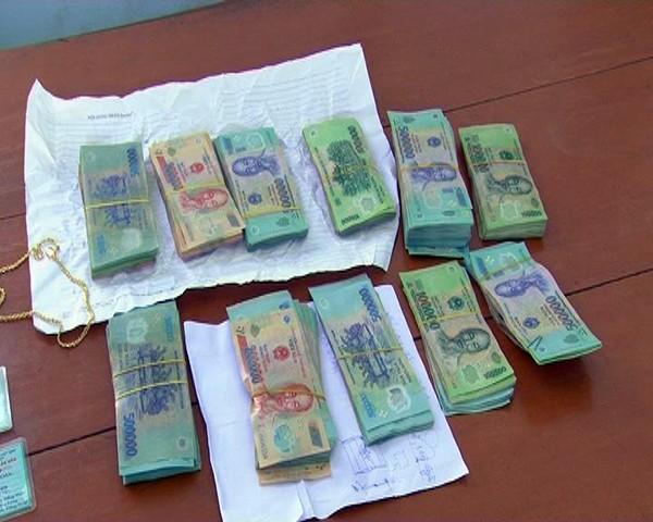 Cửa hàng trưởng chỉ đạo đồng bọn trộm 400 triệu đồng của cây xăng ảnh 1