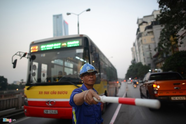 Chặn một chiều đường Kim Mã thi công Metro ảnh 12