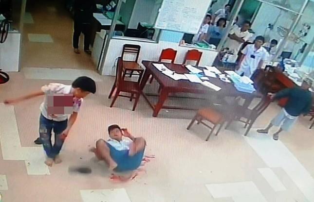 Hỗn chiến tại khoa cấp cứu bệnh viện Tiền Giang, nhiều người bị thương ảnh 1