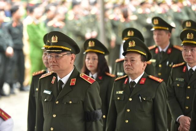 Tiễn biệt 3 liệt sĩ công an hy sinh ở Đồng Tâm ảnh 27