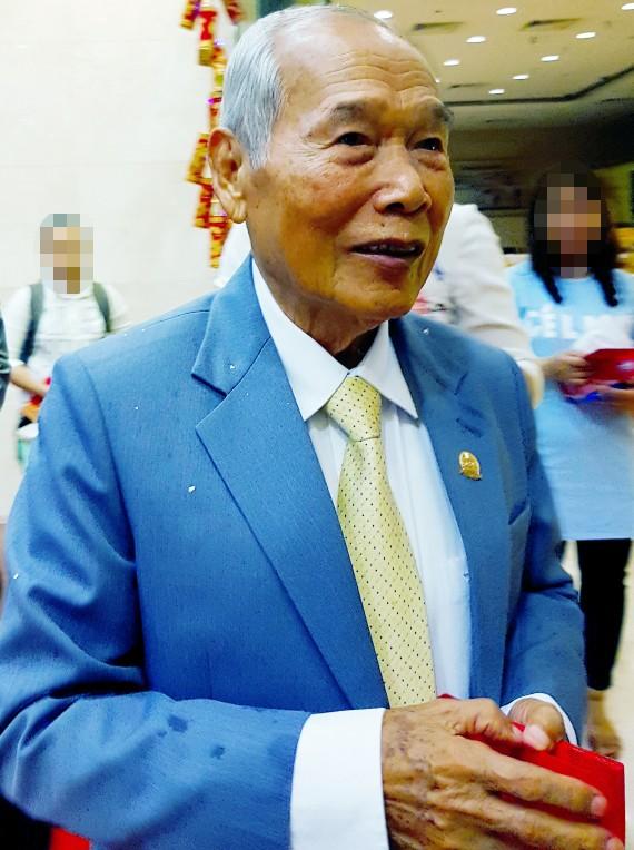Bộ Công an tạm đình chỉ vụ chồng đại gia Tư Hường tố cáo con trai ảnh 1