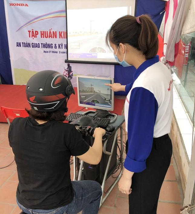 Head Tiến Cường tổ chức chương trình tập huấn kiến thức và kỹ năng Lái xe an toàn ảnh 4
